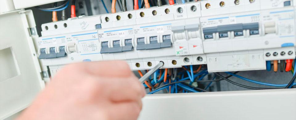 La scuola che ci piace la corrente elettrica - Elettricita in casa ...